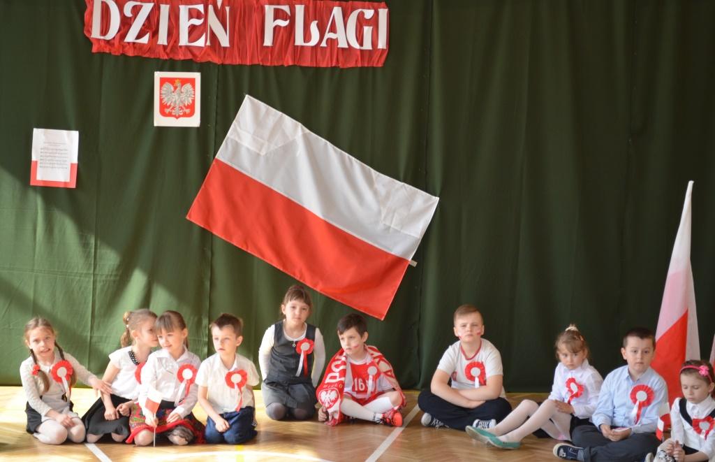 Dzień Flagi Szkoła Podstawowa Nr 1 W Starachowicach